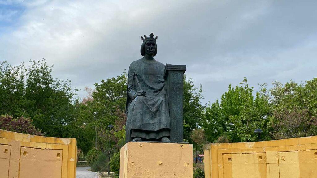 Estatua de Alfonso X el sabio