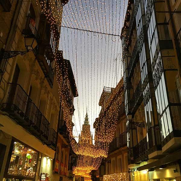 Calle Comercio en Toledo (Calle ancha)