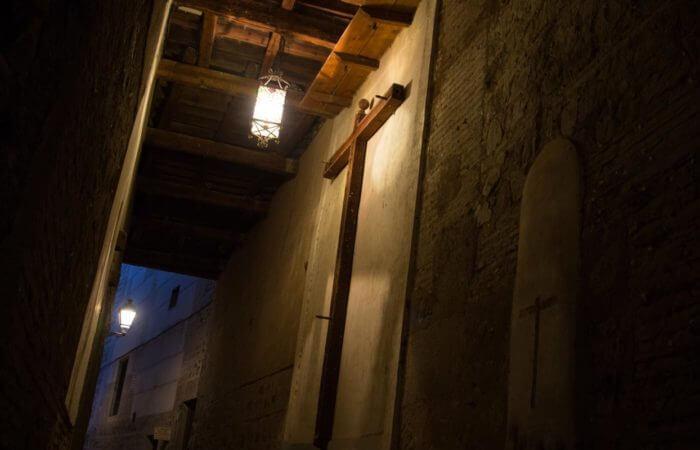 Ruta de Mazmorras, Leyenda y Misterio